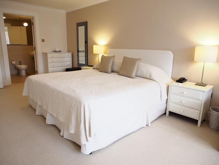 High Street Kensington,London,3 Bedrooms Bedrooms,3 BathroomsBathrooms,Apartment,Monarch House ,High Street Kensington ,1007