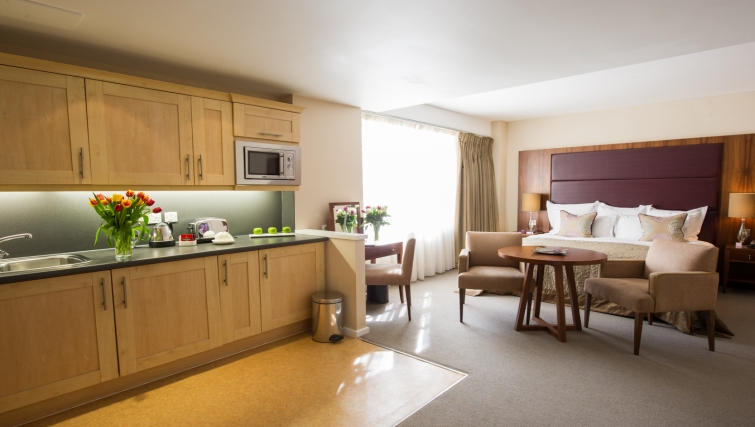 Dolphin Square,London,2 Bedrooms Bedrooms,2 BathroomsBathrooms,Apartment,Dolphin House ,Dolphin Square ,1013